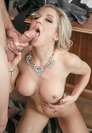MILF Cumshot Porn Pictures