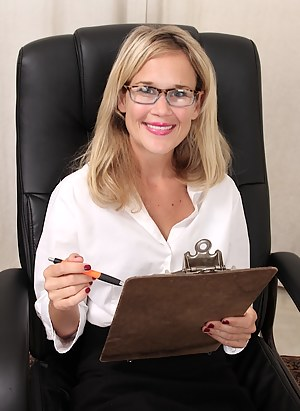 Office MILF Porn Pictures