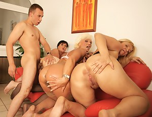 MILF Doggystyle Porn Pictures